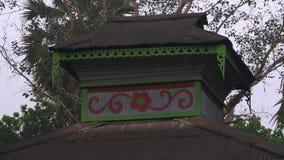 projeto de um monastério local, Myanmar do Lata-telhado video estoque