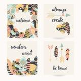 Projeto do cartão com citações inspiradas e as penas coloridas boêmias Foto de Stock