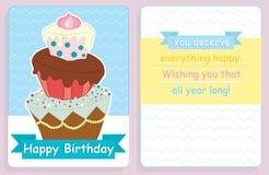 Projeto do cartão de aniversário, da parte dianteira e da parte traseira com o bolo colorido grande Fotos de Stock Royalty Free