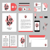 Projeto do molde dos artigos de papelaria do vetor com elementos do logotipo e do texto da amostra Foto de Stock