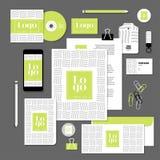 Projeto do molde dos artigos de papelaria do vetor com elementos do logotipo e do texto da amostra Imagens de Stock