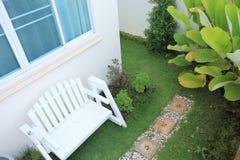 Projeto do quintal, jardim da decoração Imagens de Stock