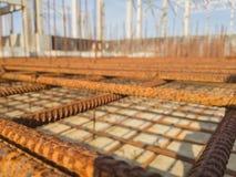 Projeto do rebar oxidado Fundo urbano fotografia de stock royalty free
