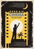 Projeto do vetor do cartaz do vintage do cinema do ar livre ilustração royalty free