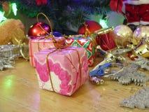 Projeto festivo da decoração das caixas de presente Fotografia de Stock