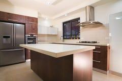 Projeto luxuoso da cozinha Imagem de Stock Royalty Free