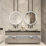 Projeto moderno do banheiro com as telhas de mármore brancas imagens de stock