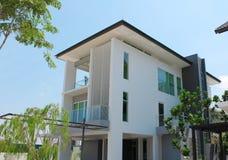 Projeto moderno do bungalow de 3 andares Fotografia de Stock