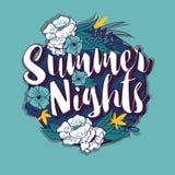 Projeto redondo da bandeira da tipografia das noites de verão no quadro tropical da flor ilustração do vetor