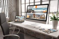 projeto responsivo do Web site da agência de viagens do modelo industrial do escritório foto de stock
