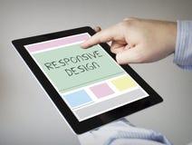 Projeto responsivo em uma tabuleta Foto de Stock Royalty Free