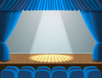 Projetor na fase do teatro Fotos de Stock