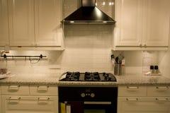 Projetos de interiores home luxuosos da cozinha Imagem de Stock Royalty Free