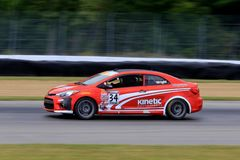 Prokia forte koup-raceauto op de cursus Stock Foto
