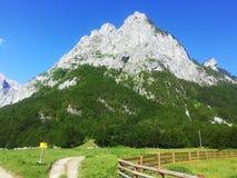 Αναθεματισμένο βουνό βουνό Prokletije στοκ φωτογραφία με δικαίωμα ελεύθερης χρήσης