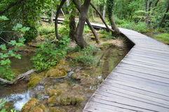 Prolongación del andén del parque de Krka en Croacia Foto de archivo