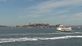 Prom przed Alcatraz, San Fransisco, Stany Zjednoczone zdjęcie wideo