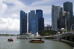 Promanade de Singapour avec Merlion Images libres de droits