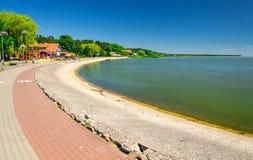 Promenad av byn Nida, spottade Curonian, baltiskt hav, Litauen royaltyfria bilder