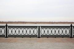 Promenad av Volga River Astrakan Ryssland arkivbild