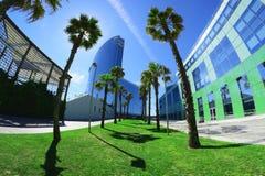 Promenad bredvid Barceloneta strand och hotell W Fotografering för Bildbyråer