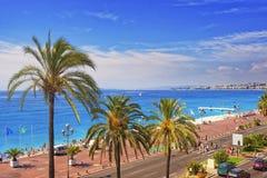 Promenad D Anglais (engelskapromenad) i Nice, Frankrike horisont Royaltyfri Bild