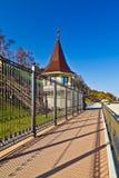 Promenad längs den från den ryska federationen statliga uppehållet. Stad av Pionersky, Ryssland royaltyfria foton