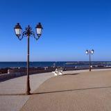 Promenad nära havet, Saintes-Maries-de-la-MER, royaltyfri fotografi