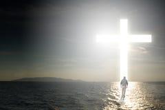 Promenade à la croix Images libres de droits