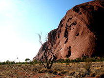 Promenade 2 de base d'Uluru Photos libres de droits
