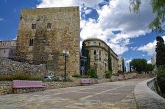 'promenade' abandonada que lleva a Roman Amphitheater en Tarragona, Cataluña, España Imagenes de archivo