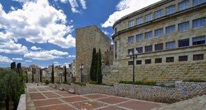 'promenade' abandonada que lleva a Roman Amphitheater en Tarragona, Cataluña, España Foto de archivo libre de regalías