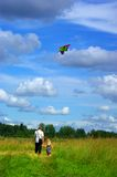 Promenade avec le cerf-volant Photo libre de droits