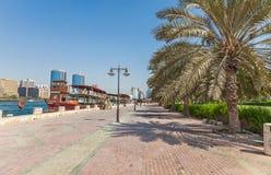 Promenade bij de Kreek van Doubai Royalty-vrije Stock Afbeelding