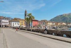 Promenade célèbre de lac dans la vieille ville d'Ascona, Suisse Photo libre de droits