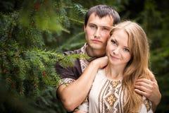 Promenade d'amour de couples Photographie stock