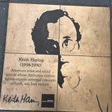 Promenade d'homosexuel, la promenade d'honneur d'arc-en-ciel, Keith Haring images libres de droits