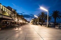 Promenade dans la fente, Croatie au lever de soleil images libres de droits