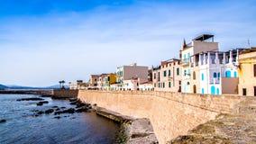 'promenade' de Alghero, Cerdeña imagenes de archivo