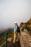 Promenade de brouillard de Levada Photos stock