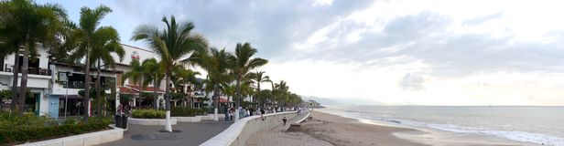 Promenade de conseil de Puerto Vallarta Image libre de droits