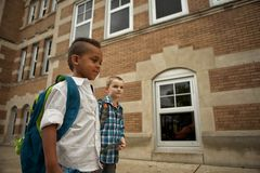 Promenade de cour d'école Photographie stock libre de droits