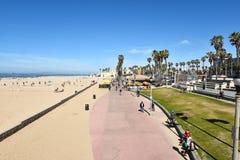 Promenade de Huntington Beach Photographie stock libre de droits