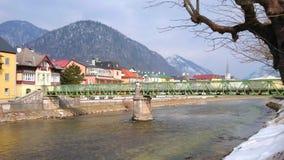 Promenade de jour dans mauvais Ischl, Autriche banque de vidéos