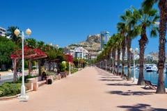 'promenade' de la orilla del mar de Alicante Fotos de archivo libres de regalías
