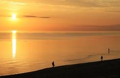 Promenade de lever de soleil Image libre de droits