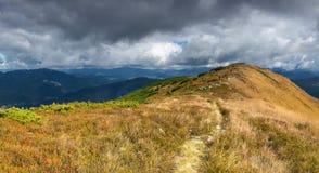 Promenade de montagne Photographie stock libre de droits