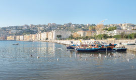 'promenade' de Nápoles - Italia imagenes de archivo