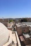 Promenade de remparts sur de vieux murs de ville, Jérusalem Photographie stock