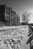 Promenade de soirée d'hiver Rivière de Lopan Kharkiv l'ukraine Images libres de droits